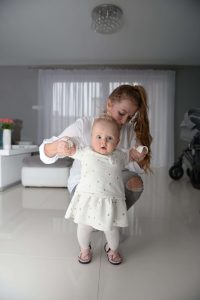 Buty Walkkings są stworzone do nauki chodzenia