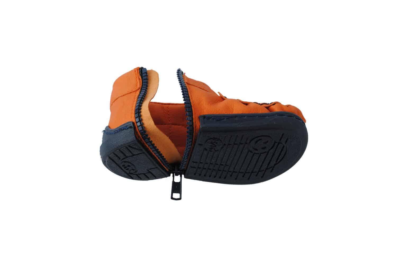 walkkings kolor oranginho to buty dla niemowlaka które posiadają super system zamka błyskawicznego tzw. Zip Around